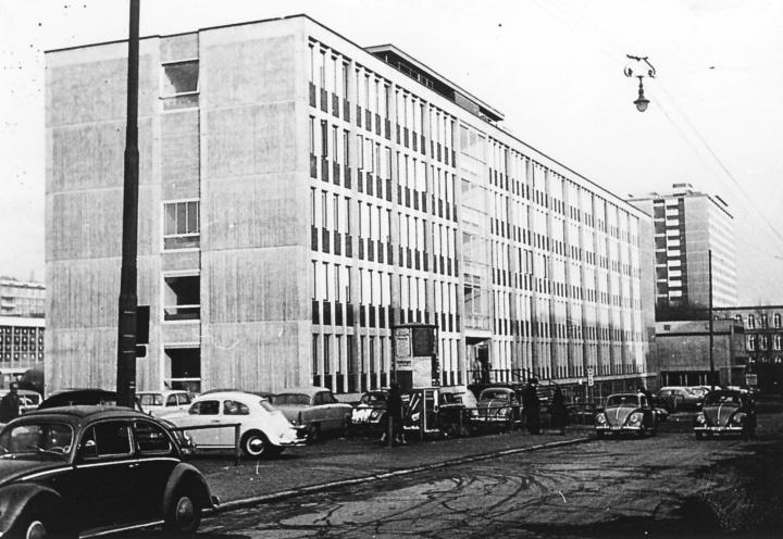 Das Institutsgebäude in der Breitscheidstr. 2 (c) INT