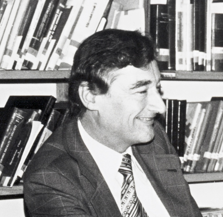 Professor Kohn (c) INT